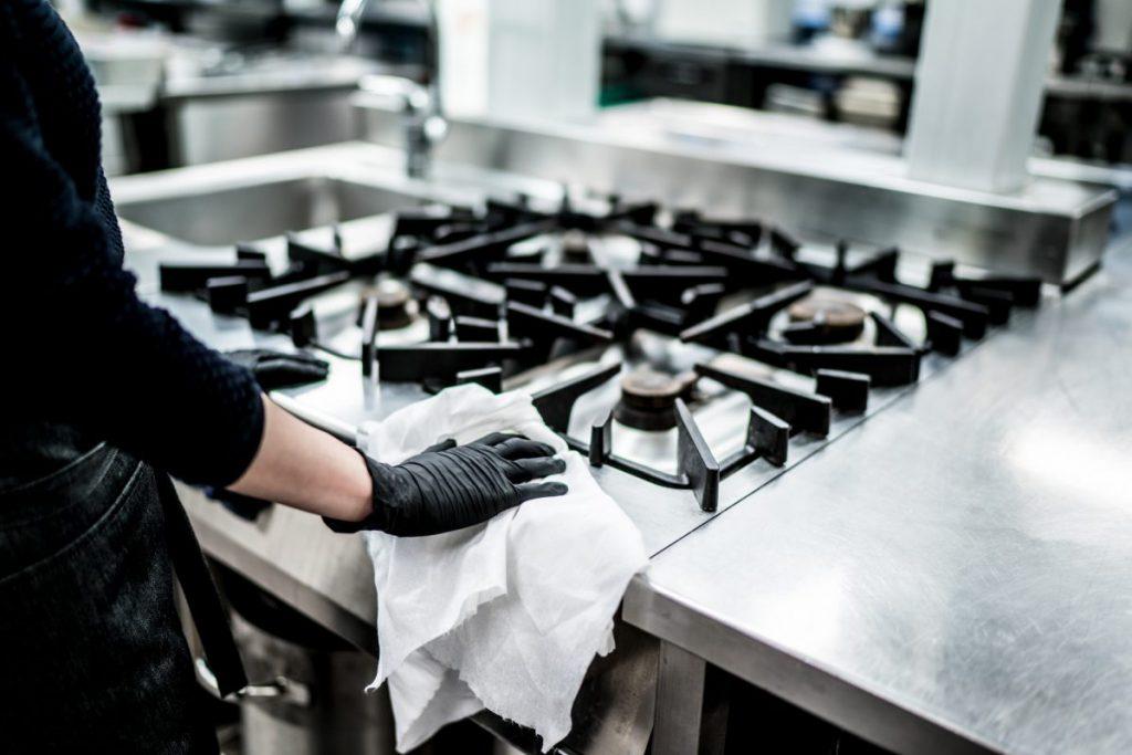 Mẹo vệ sinh bếp Á và bếp Âu công nghiệp sạch bong như