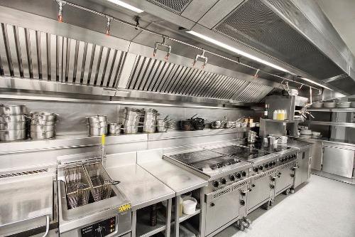 Tổng hợp các loại bếp công nghiệp cần có trong nhà hàng